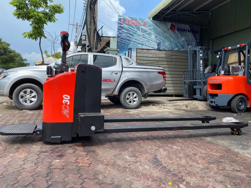 Xe nâng điện thấp càng dài 2700mm