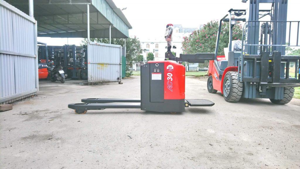 Xe nâng điện thấp 3 tấn Heli CBD30-460