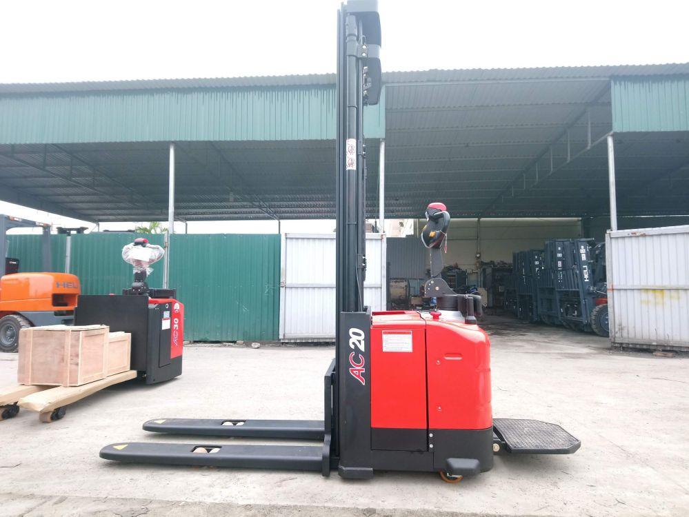 Xe nâng tay điện đứng lái 1.6 tấn-2 tấn Heli