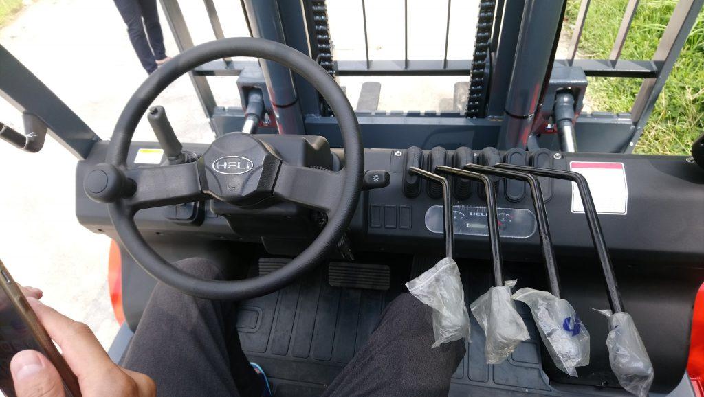 Vô lăng, khung nâng xe nâng 7 tấn