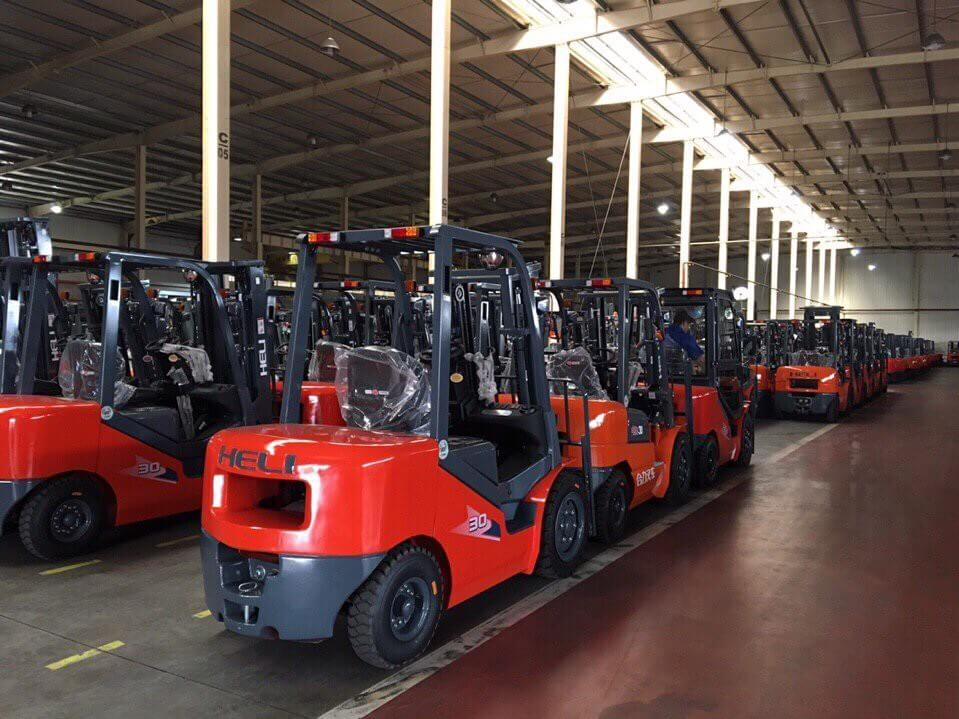 Mua xe nâng chính hãng Heli tại Việt Nam