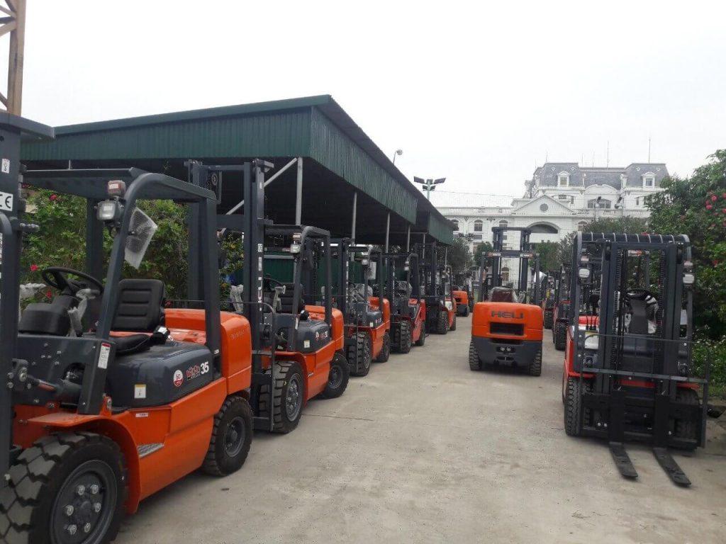 Xe nâng tại Tiền Giang-Xe nâng hàng Heli tại kho